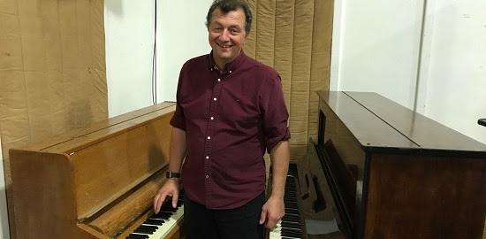 Frank - Pianos - DC.jpg
