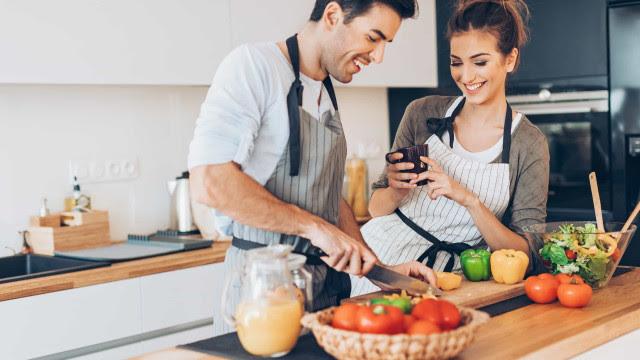 Comer a mesma refeição todos os dias ajuda a perder peso?