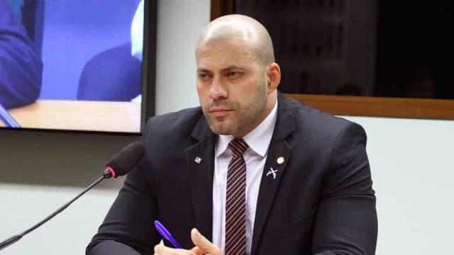 Alexandre barra visita de deputados em prisão domiciliar de Daniel Silveira