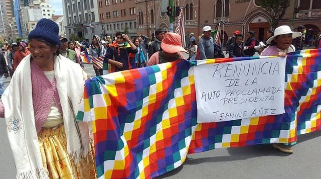 Bolivianas protestan contra el golpe de Estado militar que derrocó a Evo Morales - Créditos: Divulgación