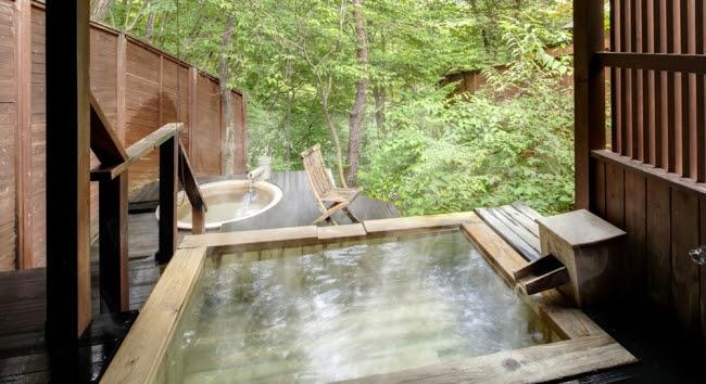 1位 「鬼怒川温泉 鬼怒川プラザホテル」 貸切露天風呂施設「あけび」