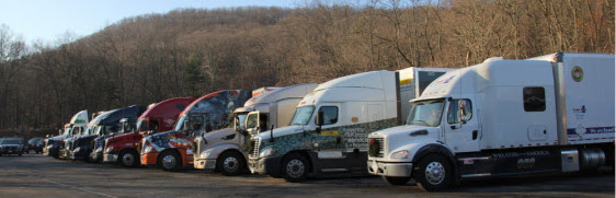 "Wreaths Across Americas ""Trucking Tributes"" Present Open Loads for the Honor Fleet"