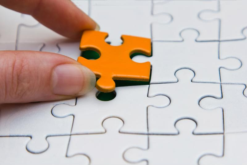 Bug tracking software should help your team connect the dots between issues and put all the pieces together.