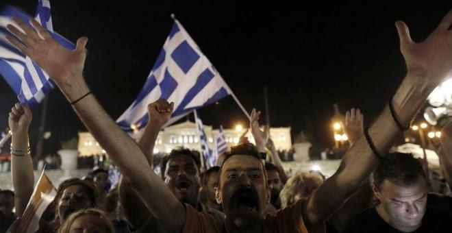 Celebración de los partidarios del 'NO' en Plaza Syntagma.- EFE