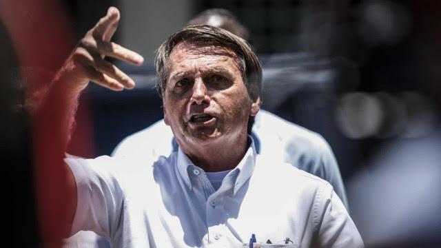 Estudo: Mensagens antivacina de Bolsonaro minaram esforços contra Covid
