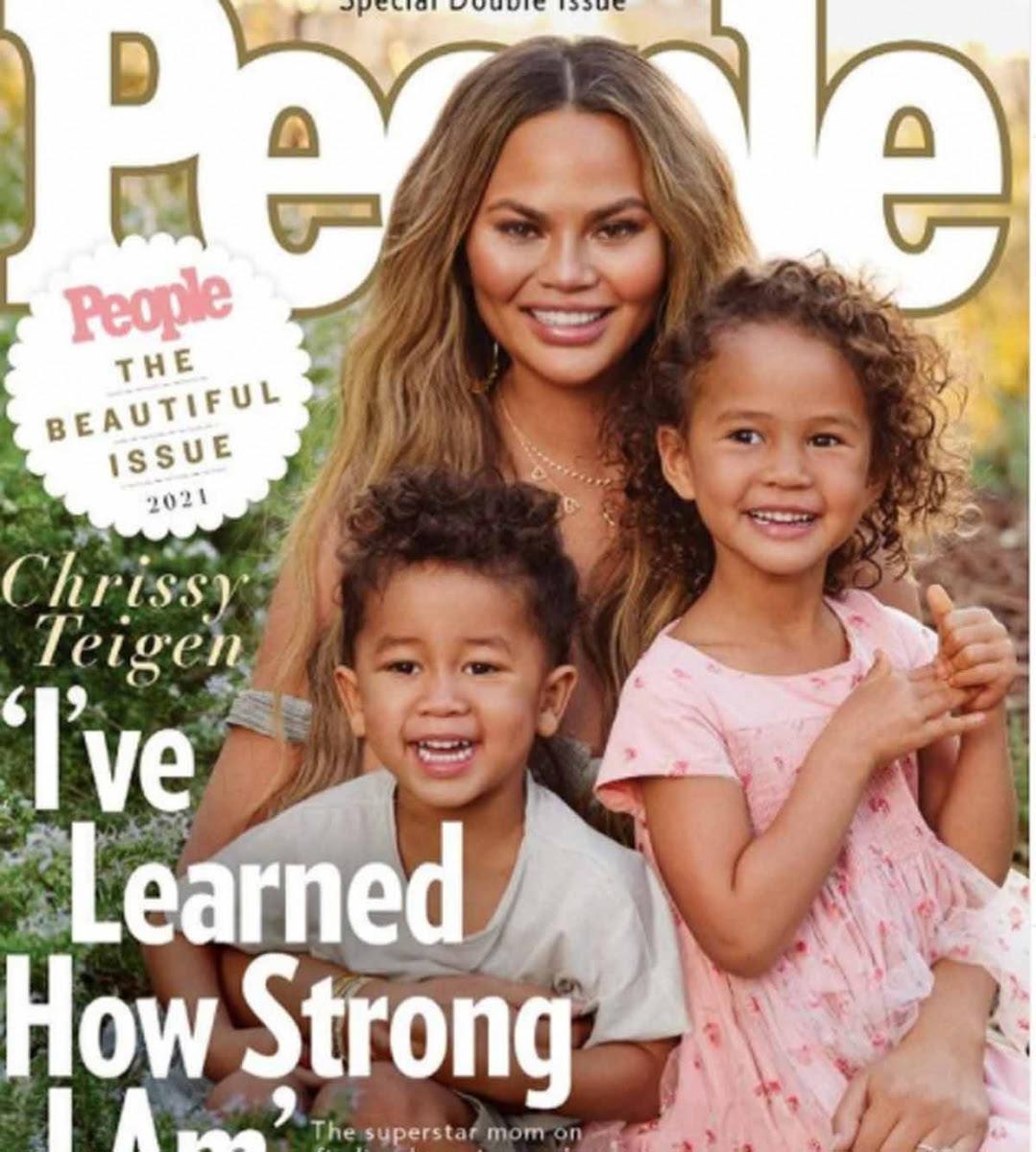 Chrissy Teigen y familia son la portada de belleza de People