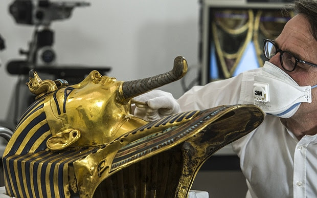 Tutankhamun's mask being fixed after botched glue repair - Telegraph