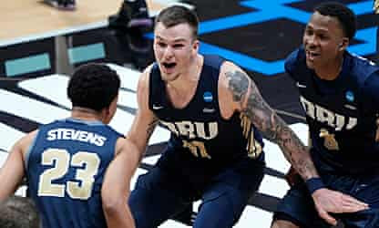 Oral Roberts and North Texas spring upsets as March Madness tips off