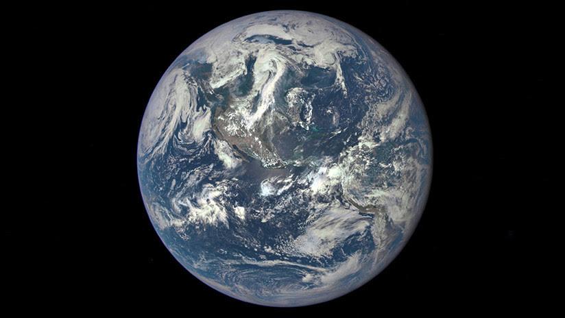 FOTO: La NASA revela una imagen de la Tierra captada a 43 millones de kilómetros de distancia