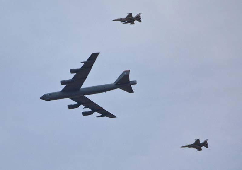 B-52, pháo đài bay, tập trận,