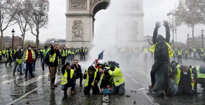 Manifestantes de los 'chalecos amarillos' en Francia - REUTERS/Stephane Mahe