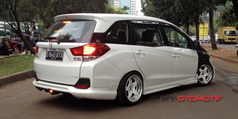 Honda Mobil, Honda Mobilio Versi Gaul