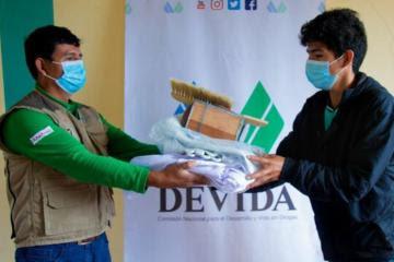 Devida capacita a familias apicultoras de Ayacucho