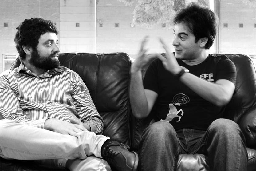 Fabrizio Scrollini, investigador y presidente de Data Uruguay, y David Bogado, especialista en vigilancia electrónica, ayer durante la entrevista. Foto: Alessandro Maradei