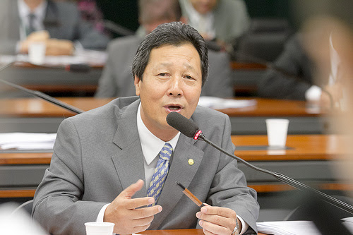 A Comissão de Turismo da Câmara dos Deputados aprovou o Projeto de Lei 65515, do deputado Luiz Nishimori (PR-PR), que inclui o turismo como direito fundamental do idoso.