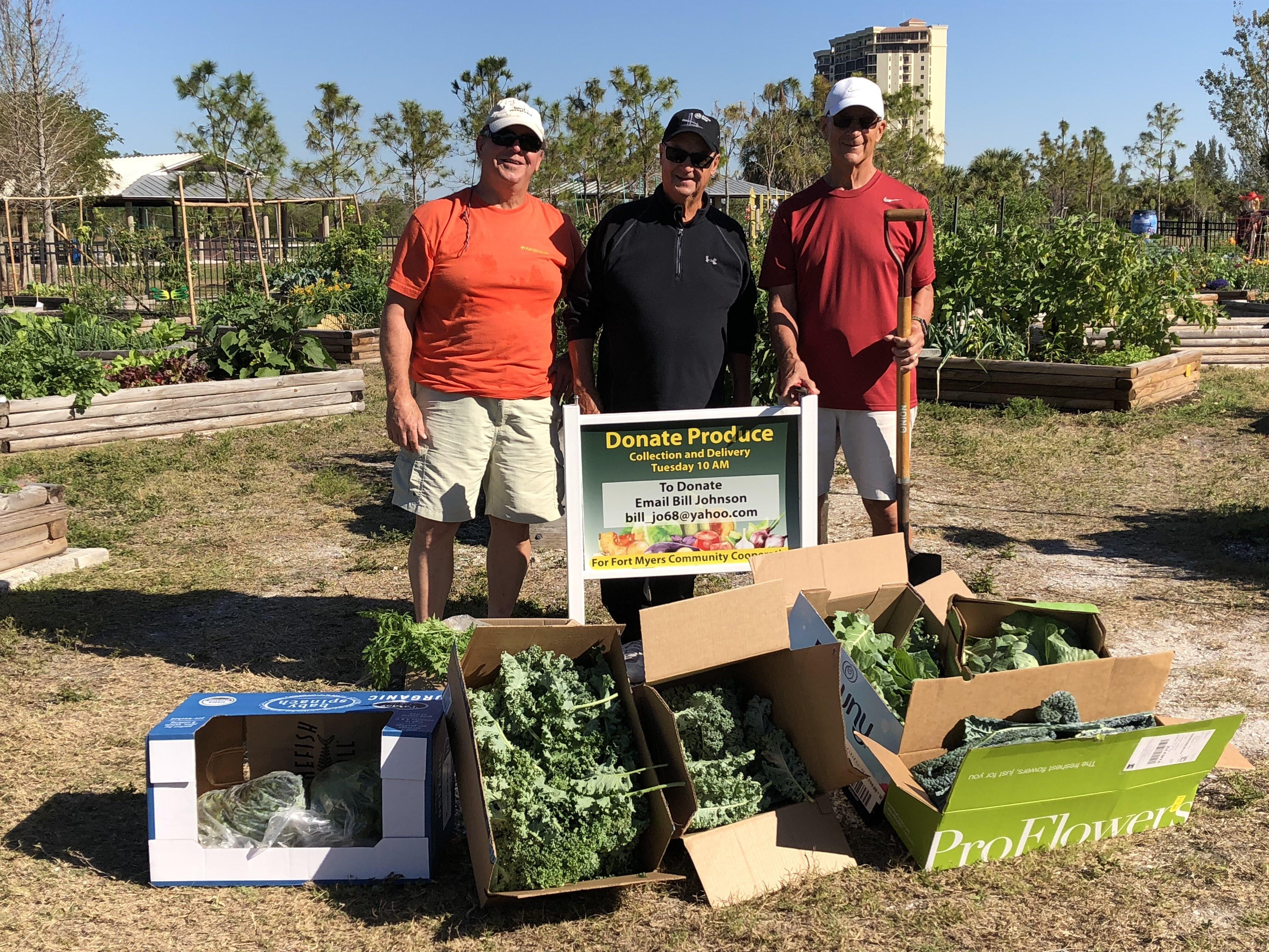 Community Garden at Lakes Park donates food