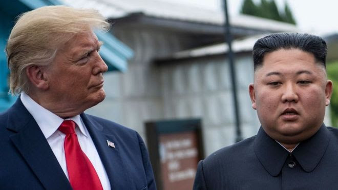 Ông Donald Trump gặp ông Kim Jong-un tại DMZ vào 30/6/2019