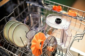 All accessories are dishwasher safe