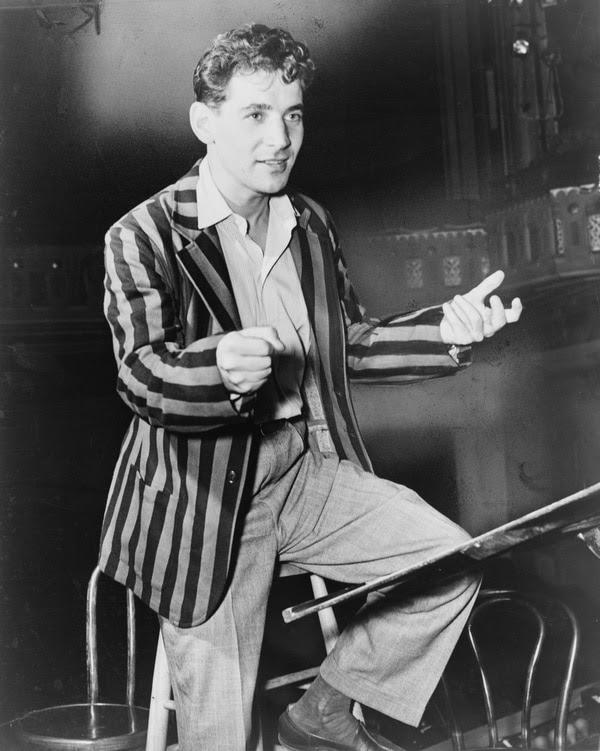 El director, compositor y pianista en 1945. Fotografía: Wikimedia Commons/Biblioteca del Congreso de Estados Unidos.