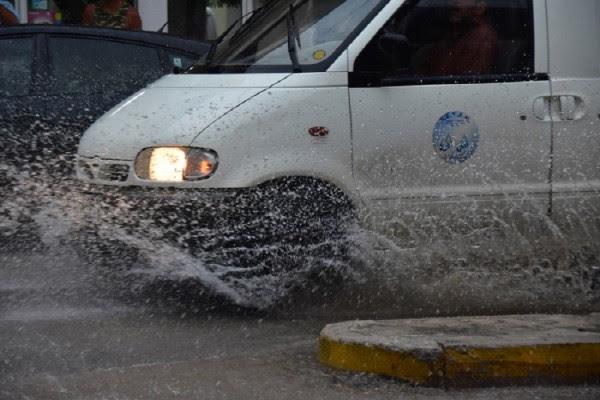 Παρατείνεται η κακοκαιρία με βροχές και καταιγίδες - Πού θα βρέξει