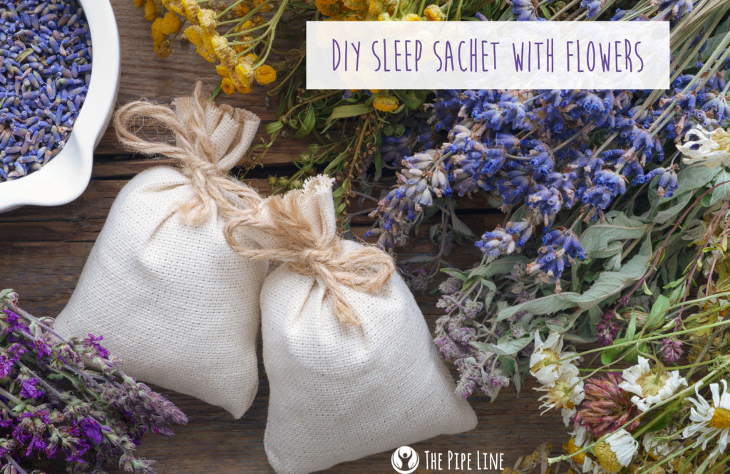 DIY Sleep Sachet With Dried Fl...