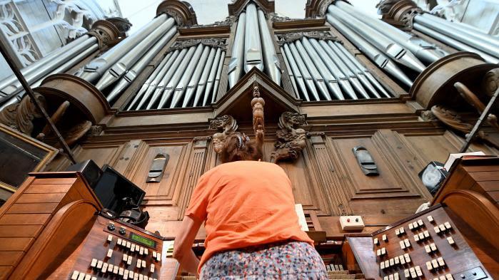 """Incendie de la cathédrale de Nantes : """"On ne retrouvera pas l'orgue tel qu'il était"""", selon le responsable des révisions de l'instrument"""