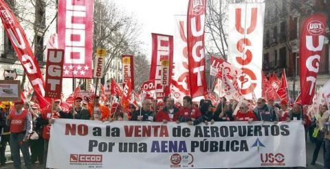 Imagen de una manifestación en Madrid de trabajadores de AENA, en 2011. EFE