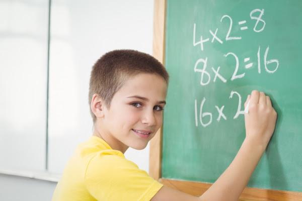 Таблиця множення, швидкість читання та ґаджети. Як розвантажать програми для початкової школи