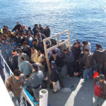 Boat_People_at_Sicily_in_the_Mediterranean_Sea (3)