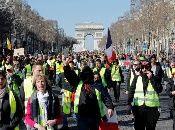 Los chalecos amarillos exigen la renuncia del presidente Emmanuel Macron.