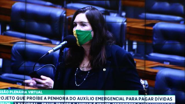Aliada fiel de Bolsonaro, Bia Kicis vai presidir a CCJ, uma das principais comissões da Câmara