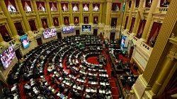 Diputados argentinos durante una sesión en la que se inició el debate del proyecto de ley para la legalización del aborto. 10 de diciembre de 2020
