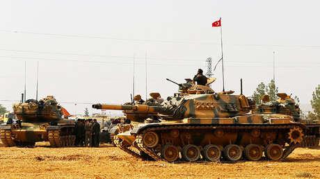 Tanques y militares turcos estacionados en Gaziantep, en la frontera con Siria. 25 de agosto de 2016.