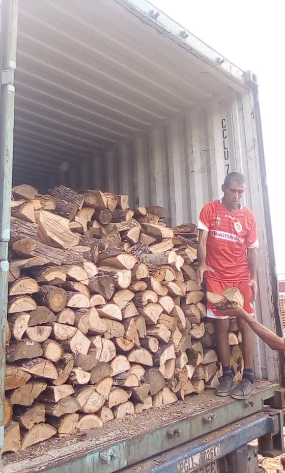 loose firewood.jpg