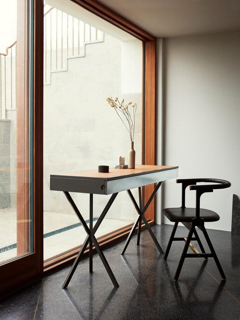 NEB Writing Desk – Zinc/Black/Natural