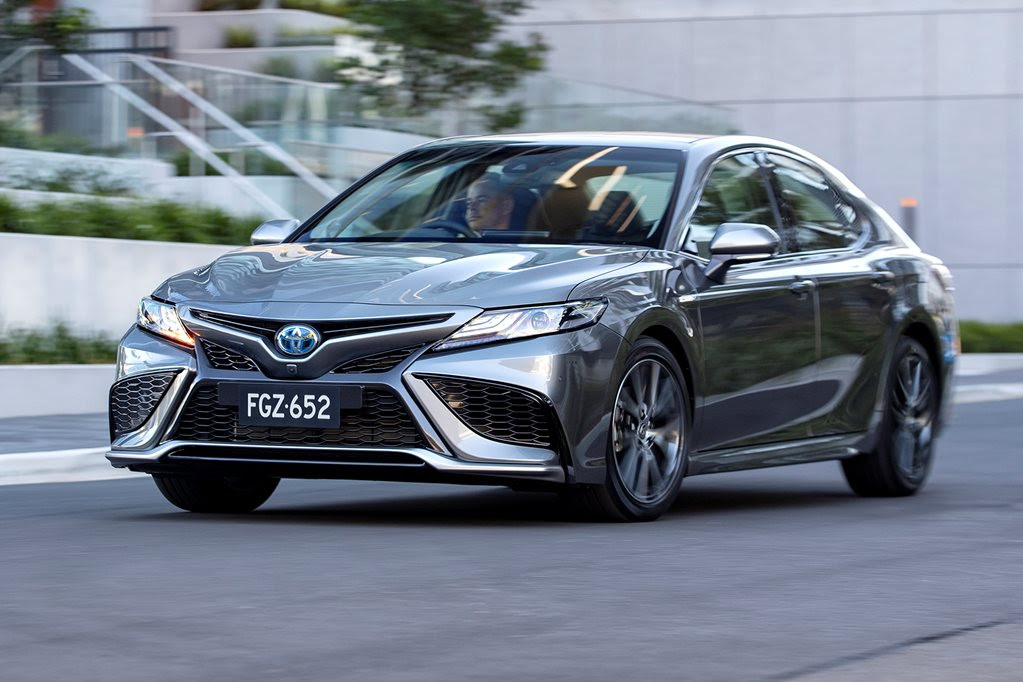 2021 Toyota Camry pricing and features