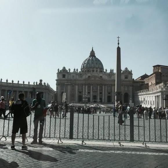 La Plaza San Pedro, en el Vaticano, al mediodía. Foto: Rosa Miriam Elizalde/ Cubadebate