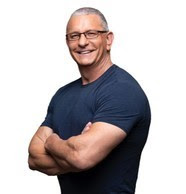Photo of Robert Irvine, Veteran and Entrepreneur