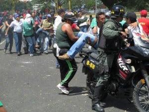 violencia fascista opositora
