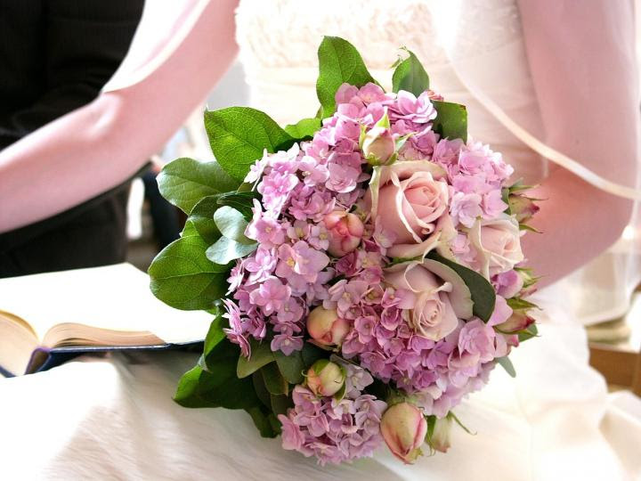 wedding-flower-meanings.jpg