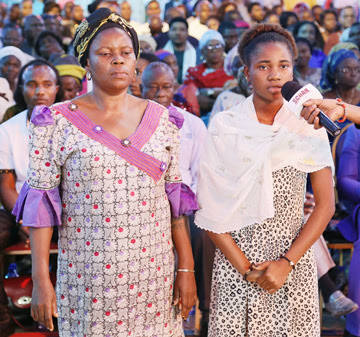 MISS OSENI FUNMILAYO AND MOTHER { PASSED OUT FIBROID} (2)