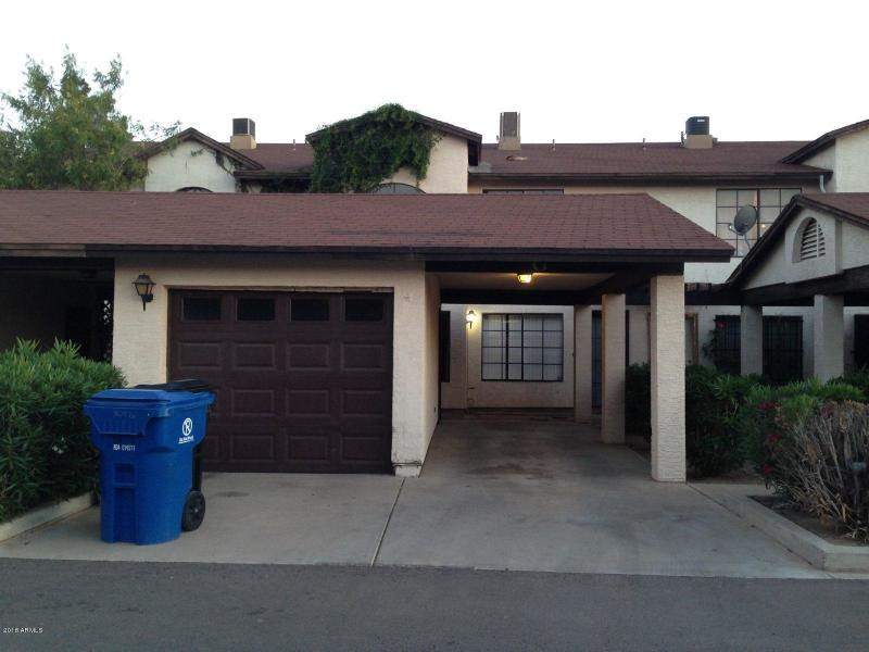 304 E Lawrence Blvd Apt G, Avondale, AZ 85323 Wholesale priced townhome with garage
