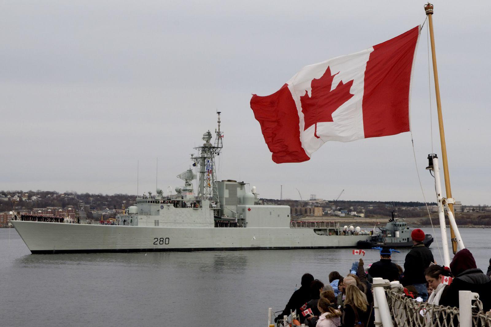 HMCS Iroquois takes leadership of Operation Apollo