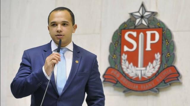Juíza nega condenar deputados bolsonaristas por 'dossiê antifascista'