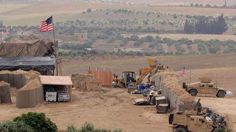Fuerzas estadounidenses crean una nueva base en Manbij, Siria, el 8 de mayo de 2018.