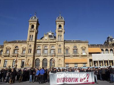 Protestas en San Sebastián. EFE/Javier Etxezarreta