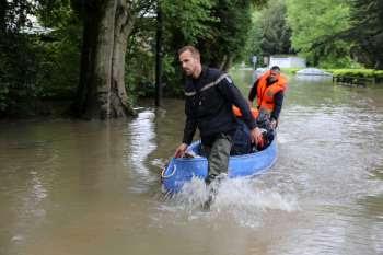 Opérations d'évacuation à Boussy-saint-Antoine