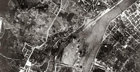 Imagen aérea del bombardeo de Sestao.