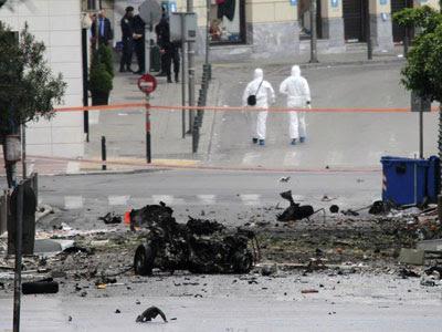 Los restos de la explosión en la zona financiera de Atenas