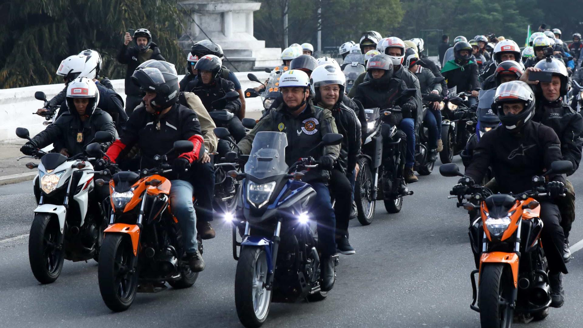 MP-SP abre inquérito contra organizadores de motociata liderada por Bolsonaro